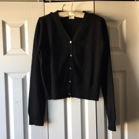 e088b92e5b TSE Black Cropped V Neck Cashmere Cardigan Sweater.  M 5aa45070a44dbef91872533b